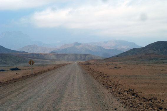 Ungefähr 90 Kilometer nach Hunachaco trafen wir (endlich!) auf die erste dirt-Strecke - der Spass konnte beginnen